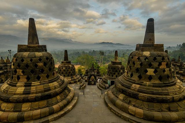 Évasion à travers le superbe temple de Borobudur et de Yogyakarta